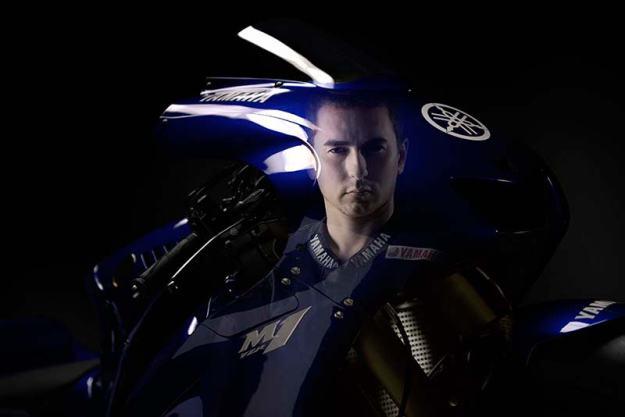 Yamaha_M1_2013_-Jorge-Lorenzo-MotoGP-15